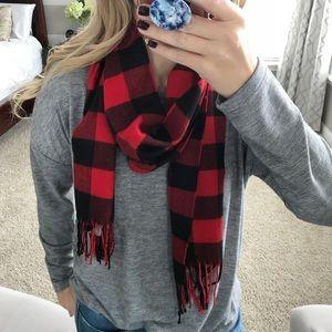 NWT Boutique buffalo plaid scarf with fringe